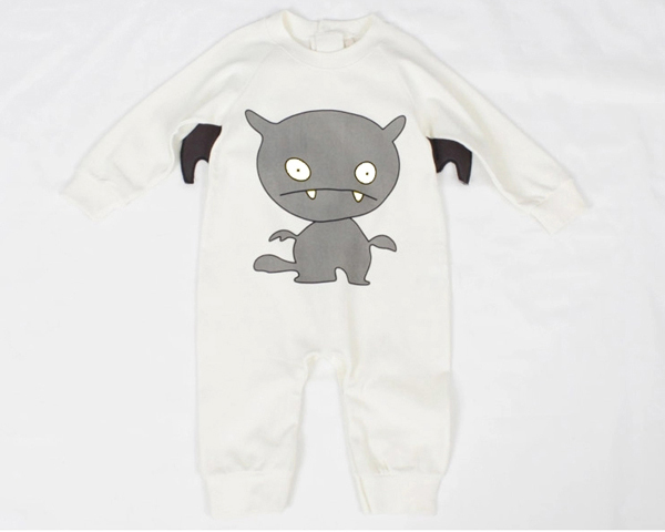 baby one piece romper with bat pattern